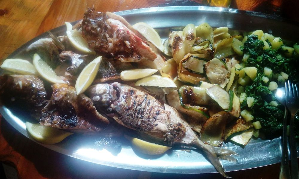 restaurant trpanj grilled fish and vegetables