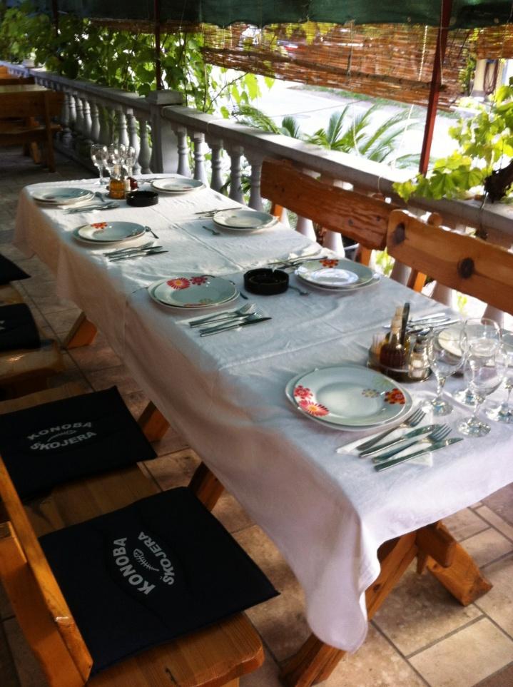 restaurant trpanj garden seating