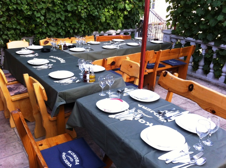 restaurant trpanj garden seating
